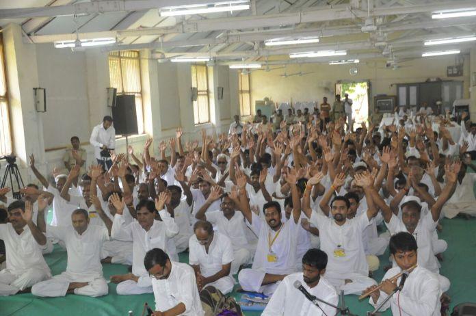 sadhvi rekha,ashram,asharam bapu,asaramji,raksha bandhan,jail,inmate,suprachar sewa,