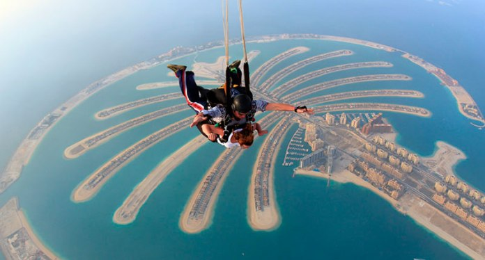 22 - You can also see Dubai from the sky