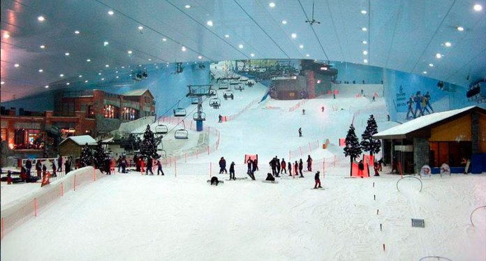 8 - You can ski in Dubai. Amazing is not it