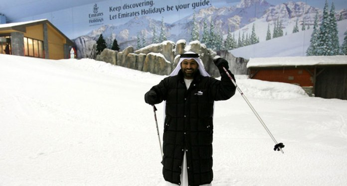 9 - And the people of Dubai and tourists have so much fun skiing