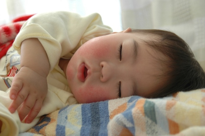 asian-baby-sleeping